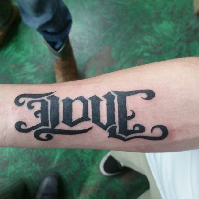 hands ambigram tatoos 4